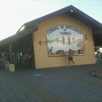 Foto tirada no(a) Feirinha de Artesanato de Tambaú por Charles G. em 7/28/2012
