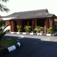 Photo taken at Balai Bomba & Penyelamat Tanjung Karang by Edy Feriow on 3/2/2012