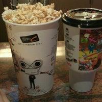 Photo taken at SF Cinema City by ผีเสื้อขยับปีก ท. on 12/18/2011