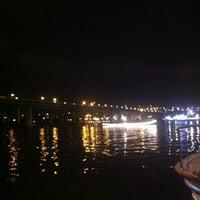 Foto scattata a Mavi Haliç Cafe da Osman E. il 8/11/2012