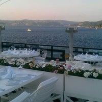 Foto tirada no(a) Kaşıbeyaz Bosphorus por Can E. Y. em 9/17/2011