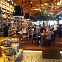 Das Foto wurde bei Social House Restaurant von Hind S. am 1/11/2012 aufgenommen