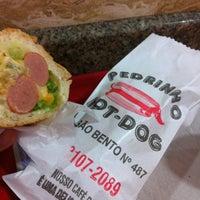 Foto tirada no(a) Pedrinho Hot Dog por Felipe F. em 4/4/2012