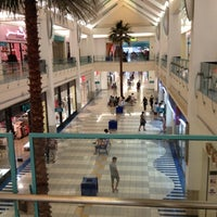 8/24/2012 tarihinde iris s.ziyaretçi tarafından Micronesia Mall'de çekilen fotoğraf