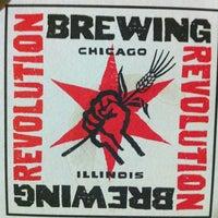 รูปภาพถ่ายที่ Revolution Brewing โดย fatmig เมื่อ 8/16/2012