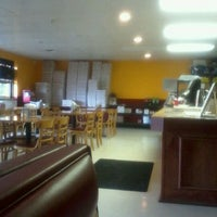 Photo taken at Rica pizza by Isela P. on 8/28/2011