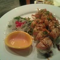 Photo taken at Ki Sushi & Sake Bar by Juan L. on 9/29/2011