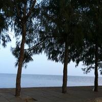 Photo taken at Don Hoi Lot by Sunthon B. on 11/9/2011