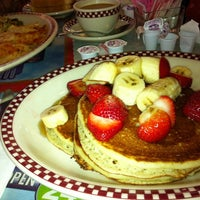 Photo taken at Menlo Park Diner by Sabina on 6/17/2012
