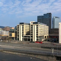 Photo taken at Thon Hotel Opera by Sergey D. on 4/22/2011