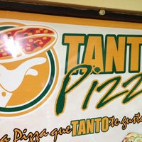 Photo taken at Tanto Pizza by Marcos V. on 6/3/2012