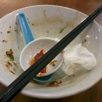 Photo taken at Sin Chon Fa Seafood Restaurant (新创发海鲜餐馆) by Dunald ッ. on 4/13/2012