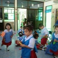 Photo taken at โรงเรียนจักรพงษ์พิทยาลัย by แม่ปินกะน้องปลาย ค. on 8/24/2011