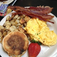 Photo taken at Bread Winners Cafe & Bakery by Sally P. on 5/5/2012