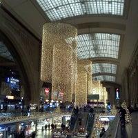Photo taken at Leipzig Hauptbahnhof by Thomas K. on 11/29/2011