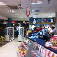 Photo taken at Star Posto 24 Horas (Ipiranga) by Gustavo L. on 8/17/2011