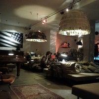 Foto tomada en Michelberger Hotel por Omid A. el 1/3/2012
