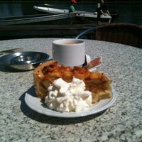Photo taken at Vinkenwaard by Ester D. on 7/23/2012