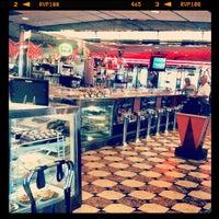 Foto tomada en Park West Diner Cafe por Jonas W. el 5/29/2012