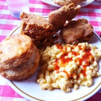 11/6/2011にGentrifried ChickenがPies 'n' Thighsで撮った写真
