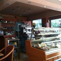 Photo taken at Cafeteria Sibaris by Loreto S. on 10/30/2011