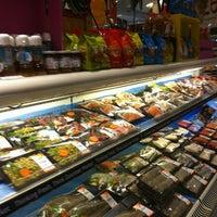 Foto scattata a Gourmet Market da viewphukhao pinong il 6/25/2012