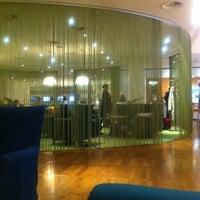Photo taken at The London Lounge by Takuya N. on 6/21/2012