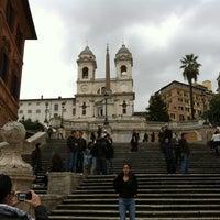 12/5/2011にLuigi F.がScalinata di Trinità dei Montiで撮った写真