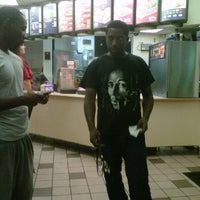 Photo taken at Taco Bell by Frandly P. on 9/21/2011