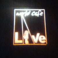 Foto tirada no(a) World Cafe Live por S. J. em 12/7/2011