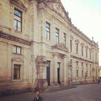 Photo taken at Facultade de Medicina by Denís B. on 6/12/2012