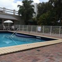 Photo taken at Days Inn Miami Airport North by Rivzzz 💋 on 5/27/2011