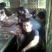 Photo taken at Saung Palem Rahayu by trian on 6/3/2011