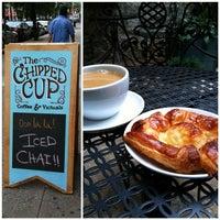 Снимок сделан в The Chipped Cup пользователем Chris M. 8/19/2012