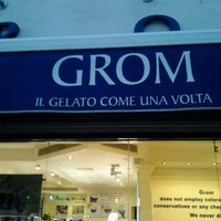 Photo taken at Grom by Fabiana P. on 9/26/2011