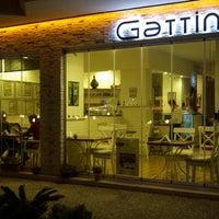 Foto tomada en Gattini Bistro Espresso por Nilufer G. el 12/4/2011