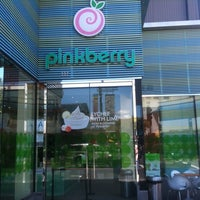 Photo taken at Pinkberry by Enrique d. on 5/15/2011