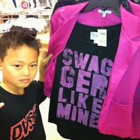 Photo taken at Charlotte Russe by Neenz F. on 3/11/2012