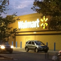 Photo taken at Walmart Supercenter by Roderick F. on 9/20/2011