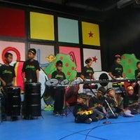 Foto diambil di Sanggar Anak Saraswati oleh Paryanto T. pada 12/19/2011