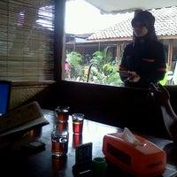 Photo taken at Cibiuk - Rumah Makan Khas Sunda by Taufik D. on 12/20/2011