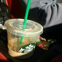 Photo taken at Starbucks by Ki Mok K. on 11/4/2011
