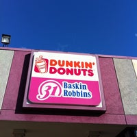 Photo taken at Dunkin Donuts by Manny T. on 8/28/2011