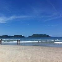 Photo taken at Praia de Juquehy by Luis Fernando S. on 3/4/2012