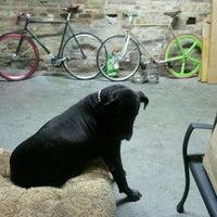 Foto diambil di Shoot Paul Industries oleh Sarah R. pada 10/1/2011