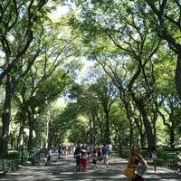 Foto scattata a Literary Walk da Hyemi H. il 8/23/2011