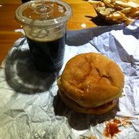 Foto tomada en Wild Willy's Burgers por Brian C. el 2/19/2011
