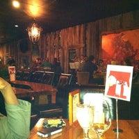 รูปภาพถ่ายที่ The Wooden Vine โดย Terrilin C. เมื่อ 11/27/2011