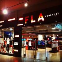 Foto tirada no(a) Fla Boutique por Delmiro J. em 11/29/2011