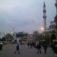 Photo prise au Gaziosmanpaşa Meydanı par Gökhan A. le11/27/2011